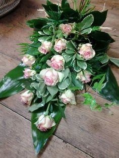 A simple pink rose sheaf for a funeral Funeral Flower Arrangements, Funeral Flowers, Floral Arrangements, Casket Sprays, Create Picture, Sympathy Flowers, Unique Flowers, Heavens, Flower Decorations