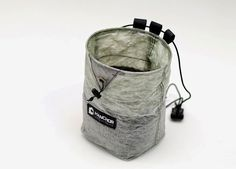 Weight is your enemy while climbing. The more weight you carry, the harder it is to go up. This is simply what gravity does to us, we have to live with it. HANCHOR knows this… The post HANCHOR creates lightest chalkbag appeared first on Gear Exposure. http://maxonlinestores.org/?p=1409