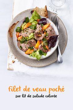 Régale-toi avec cette salade de luxe: pour la garniture, nous coupons en fines lamelles du filet de veau préalablement poché dans un bouillon aux fines herbes. Il est accompagné de carottes vapeur, de graines de tournesol et de beaucoup de fines herbes fraîches. Filets, Beef, Cooking, Ethnic Recipes, Food, Sunflower Seeds, Carrots, Salad, Fresh