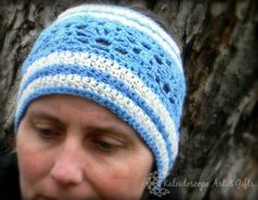 With a lacy and feminine stitch pattern, this wider than normal crochet earwarmer has a guaranteed perfect fit!  Snag this free adult woman crochet pattern now!