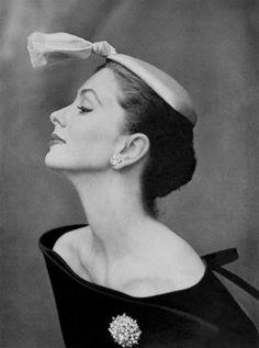 Suzy-Parker, Balenciaga Hat, John-Rawling