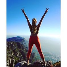 """It is not the mountain we conquer  but ourselves"" ☺️ ❤️ ✌#yoga #hiking #mountains #getoutside #fitnessfashion #yogaeverydamnday #pilates #yogi #girlgetoutside #ootd #bestworkoutclothes #fitgirl #fitmom #yogagirl #yogini #yogaapparel #glyderapparel #fitfashion #namaste #worksweatplay"