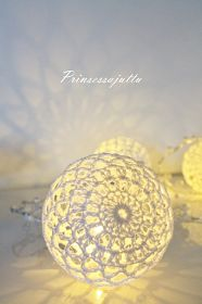 Prinsessajuttu: Virkatut valopallot, OHJE We are want to say thanks if you like to share this post to another people via your fac… Crochet Ball, Crochet Home, Christmas Baubles, Christmas Crafts, Christmas Decorations, Crochet Flower Patterns, Lace Patterns, Fall Crafts, Diy And Crafts