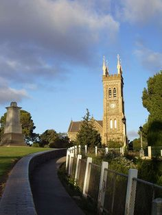 St Andrews Church & ANZAC Monument, Strathalbyn South Australia Beautiful Things, Beautiful Homes, Living In Adelaide, Australia Holidays, Adelaide South Australia, Old Churches, St Andrews, Country Houses, Place Of Worship