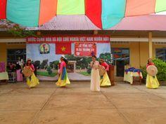 Dù che trong Lễ tổng kết năm học trường THCS Đinh Tiên Hoàng