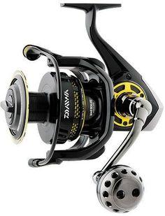 Daiwa Saltiga Dogfight Spinning Fishing Reel - SATG7000HDF NEW IN BOX