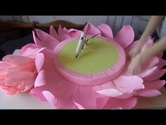 Best 12 Standing Giant Paper Flowers Self-standing Paper Flowers – SkillOfKing.Com Best 12 Standing Giant Paper Flowers Self-standing Paper Flowers – SkillOfKing. Paper Flower Decor, Large Paper Flowers, Tissue Paper Flowers, Paper Flower Backdrop, Giant Paper Flowers, Flower Crafts, Diy Flowers, Flower Decorations, Fabric Flowers