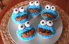 Süße Krümelmonster-Muffins: einfaches Rezept auf gofeminin.de  http://www.gofeminin.de/kochideen/kruemelmonster-muffins-d59956.html