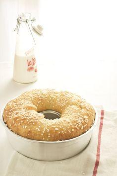 """Vuoi realizzare un pan brioche senza impasto e in pochissimo tempo per la colazione della settimana? Ecco la ricetta """"alleggerita"""" dal lievito e più dolce del famoso five minute brioche."""