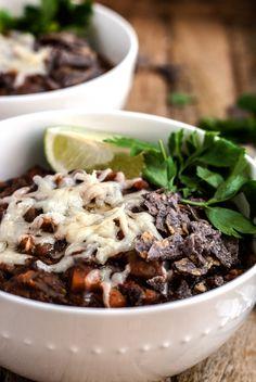 the best damn black bean chilli, vegan, vegetarian, budget friendly, dinner, lunch, healthy, easy