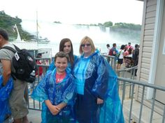 In line to board the Maid of the Mist