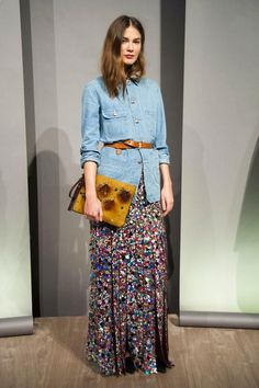 How To Wear Belts maxi skirt denim shirt - Discover how to make the belt the ideal complement to enhance your figure.