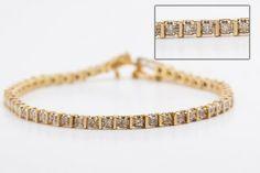 $339.99 Bracelet 10k pèsent 8.2 grammes, de style tennis en or jaune. Il est serti de 50 diamants brillant d'environ 3pts chaque (...