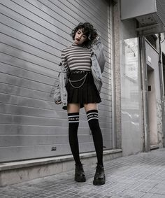 edgy outfits The spring is coming again, which means its time to go back to work or spring is coming again, which means its time to go back to work or school # Fashion 90s, Grunge Fashion, Cute Fashion, Gothic Fashion, Look Fashion, Korean Fashion, Fashion Outfits, Fashion Vintage, Fashion Stores