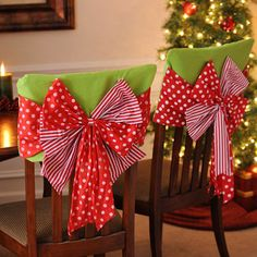 2014 Christmas bow chair cover set, Christmas green red bow cover, Christmas home decor - 2014 Best Christmas chair decoration that you should know ! by centerofvogue Grinch Christmas, Christmas Bows, Christmas Sewing, Christmas Projects, Christmas Holidays, Christmas Plates, Family Holiday, Christmas Chair Covers, Christmas Table Cloth