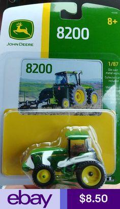 ERTL 1:87 HO SCALE *JOHN DEERE* Model 8200 Tractor w//DUALS NIP!