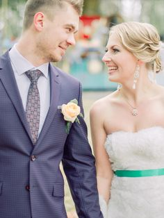 Peach boutonnieres | Rustic Romance and Whimsical Carousel Wedding | fabmood.com