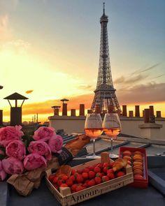 """253 To se mi líbí, 4 komentářů – Paris (@topparisphoto) na Instagramu: """"Follow @topparisresto !! @topparisresto TOP Paris par @visualisation_ • #topparisphoto Allez…"""""""
