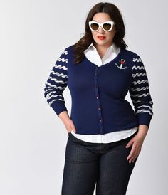 Does it give you knots, darling? A luxuriously soft knit nautical plus size cardigan from Hell Bunny, this sweet sailor style is ideal for deck…