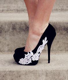 Black Heel With Venise Lace Applique