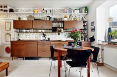 Home : Ten Walls We Super-Love  in the kitchen   altruism in the morning