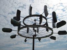 Garden art sculptures wind spinners bicycle wheel 36 trendy ideas - Garden art sculptures wind spinners bicycle wheel 36 trendy ideas Source by kingneaces - Metal Yard Art, Scrap Metal Art, Bicycle Wheel, Bicycle Art, Wind Sculptures, Sculpture Art, Kinetic Wind Spinners, Bubble, Kinetic Art