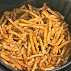 Air Fryer Frozen French Fries The Cookin Chicks - Air Fryer Recipes Air Fryer Sweet Potato Fries, Air Fryer Fries, Frozen Sweet Potato Fries, Power Air Fryer Recipes, Air Fryer Recipes Easy, Frozen French Fries Recipe, Air Fry French Fries, Seasoned Fries