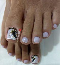 Que nota de 0 a 10 para esta unha??? Toe Nails White, Pretty Toe Nails, Cute Toe Nails, Dope Nails, Pretty Toes, Toe Nail Art, Cute Toenail Designs, Toe Nail Designs, Hair And Nails