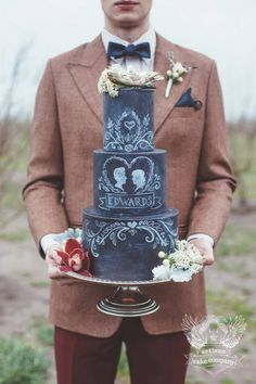 Artisan Cake Company; To see more gorgeous wedding cakes from Artisan Cake Company: http://www.modwedding.com/2014/11/14/27-wedding-cake-inspiration-serious-wow-factor/ #wedding #weddings #wedding_cake
