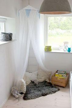 reading nook for little girl's bedroom. Charming