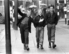 Giovani Boot Boys a Glasgow nel 1972 Mode Skinhead, Skinhead Fashion, Old Pictures, Old Photos, Vintage Photos, Dr. Martens, Arte Hip Hop, Skin Head, Celtic Fc