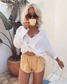 Sundays ☕️ Wearing my faves 💛 Laura Jade Stone, Powerful Women, White Shorts, Cute Outfits, Take That, Beautiful Women, How To Wear, Clothes, Instagram