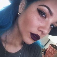 """I'm so weird omg EVERYTIME I see a pic of her with blue hair I start singing """"everything is bluueeeeeeee"""""""