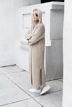 White Sneakers For Girl : Новое из блога 'Figtny' Fashion Tag, Look Fashion, Womens Fashion, High Fashion, Fashion Trends, Mode Style, Style Me, Look Street Style, Winter Mode