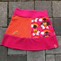 Kostenloses Schnittmuster Jersey Rock Kids von ki-ba-doo Photo of Sewing Pattern Jersey Rock Kids by ki-ba-doo Sewing Patterns Free, Clothing Patterns, Free Pattern, Free Sewing, Corsets, Manners For Kids, Rebecca Minkoff, Girl Trends, Mature Fashion