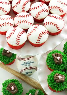 Worth Pinning: Major (or Little) League Baseball Cupcakes Birthday School Party Ideas Softball Party, Baseball Birthday Party, Sports Party, Boy Birthday, Birthday Parties, Birthday Ideas, Sports Birthday, Birthday Cupcakes, Thomas Birthday