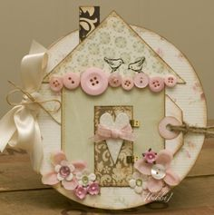 From the circular base to the shabby chic details and vintage inspired palette, there's much to love about this darling card.