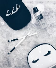 Borboleta Beauty, Beauty Giveaway, Beauty Salon Decor, Individual Eyelash Extensions, Eyelashes, Salons, Oc, Aesthetics, Business