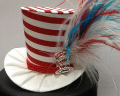Arco iris divertido Mini Top Hat. Ideal para por daisyleedesign