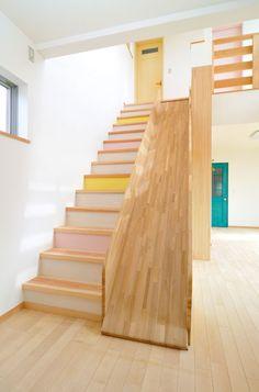 カラフルポップな家(磐田市M様邸新築注文住宅)|磐田市で自然素材の注文住宅ならSTUDIO HAPPYSへ
