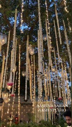 Pool Wedding Decorations, Desi Wedding Decor, Wedding Mandap, Indian Wedding Video, Mehndi Decor, Wedding Entrance, Hanging Flowers Wedding, Reception Stage Decor, Floral Centerpieces