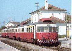 125 - Train Bonde, Train Art, Train Stations, Bahn, Locomotive, Railings, Trains, Parking Lot, Locs