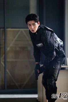 Please come protect me @ Ji Chang Wook Ji Chang Wook Smile, Ji Chang Wook Healer, Ji Chan Wook, Korean Star, Korean Men, Asian Actors, Korean Actors, The K2 Korean Drama, Ji Chang Wook Photoshoot