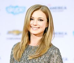 Emily VanCamp's Smooth Hairstyle at Captain America Premiere: Details - Us Weekly
