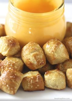 Easy & delicious homemade pretzel bites on iheartnaptime.net ...make them in 30 minutes!