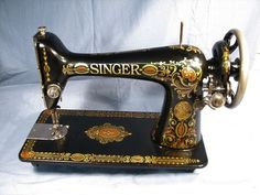 VINTAGE 1911 SINGER 66 RED EYE TREADLE SEWING MACHINE Featherweight Sewing Machine, Treadle Sewing Machines, Antique Sewing Machines, Sewing Patterns Free Home, Pfaff, White Sewing Machine, Drawing Pictures, Painting Pictures, Purl Bee