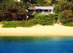Castaway Cottage | Copacabana, NSW | Accommodation