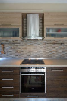 Ανακαίνιση κουζίνας Kitchen Pantry Design, Luxury Kitchen Design, Home Decor Kitchen, Interior Design Kitchen, Kitchen Furniture, Minimalist Kitchen Cabinets, Modern Kitchen Interiors, Apartment Kitchen, Kitchen Remodel
