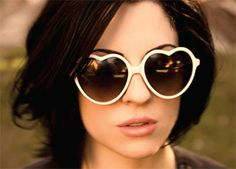 http://www.clashmusic.com/files/imagecache/big_node_view/files/brody-dalle.jpg