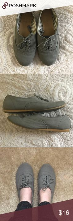 Grey Oxford Flats Grey Oxfords, euro size 37, but these definitely run small so they've been marked as a 36/US size 6. Used, but still lots of life left! Small mark on the inside of the left shoe. Lace-up style with rubber soles. Offers welcome! 💕 Atmosphere Shoes Flats & Loafers